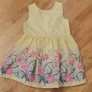 Lovely baby gap spring/summer yellow dress size 3